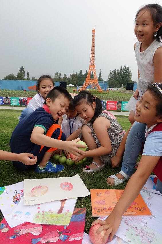 """辰山植物园开展""""心中最美苹果""""儿童绘画活动"""